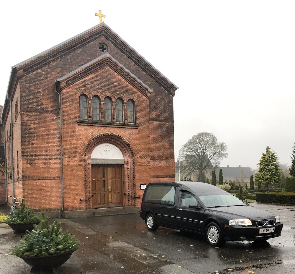 Rustvogn Rosen Begravelsesforretning